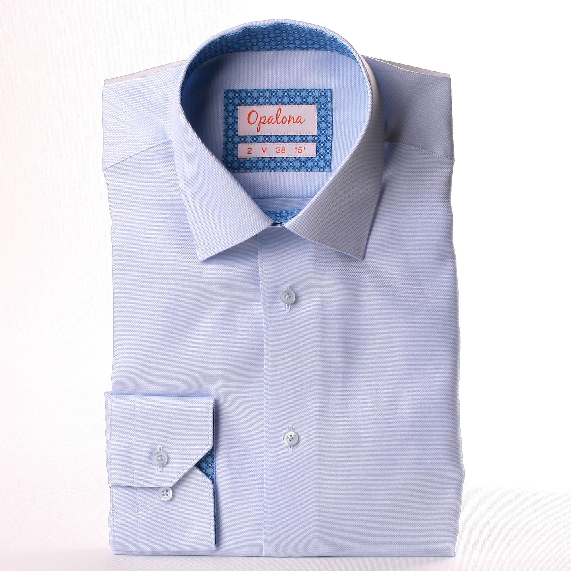 hellblaues hemd mit einem blauen geometrischen muster stoff im kragen und die manschetten. Black Bedroom Furniture Sets. Home Design Ideas