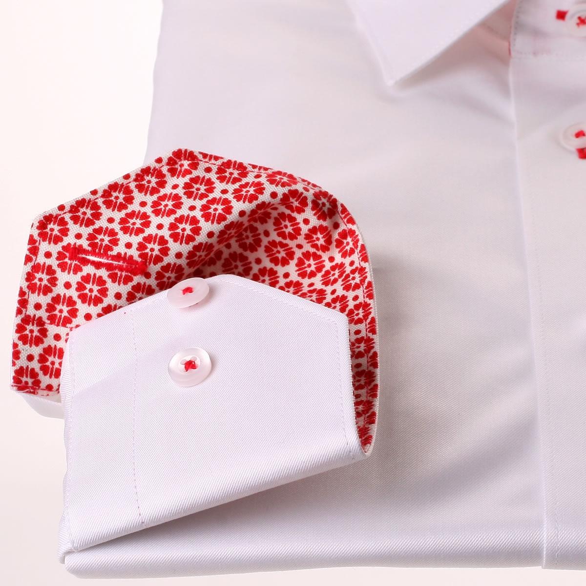 wei es hemd mit roten blumen kragen und manschetten. Black Bedroom Furniture Sets. Home Design Ideas