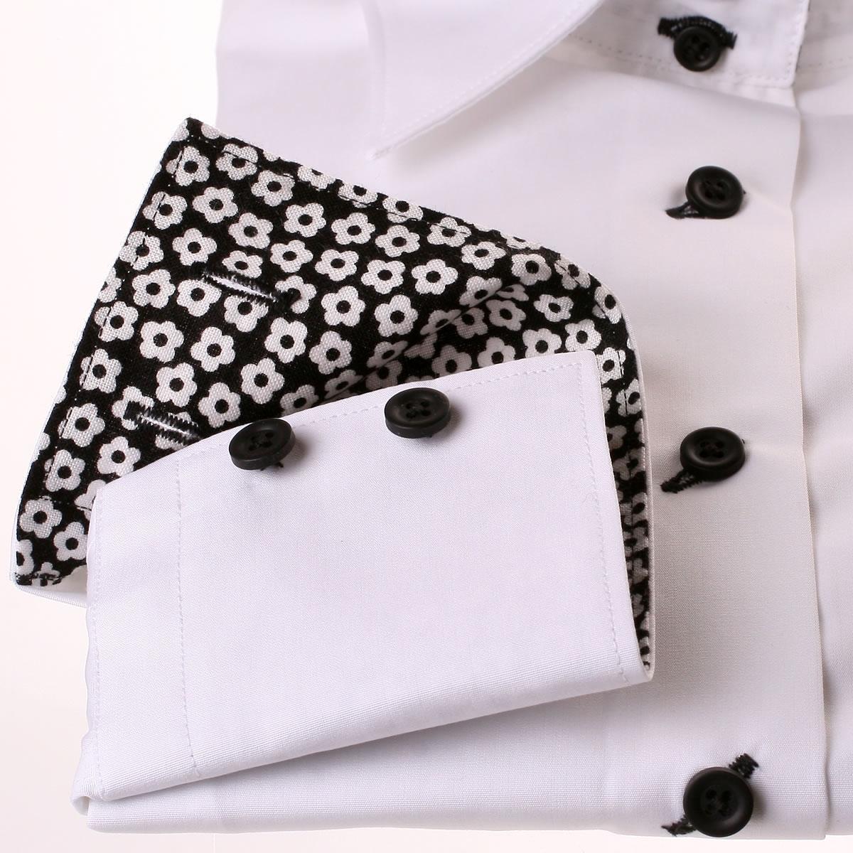 wei e bluse mit wei en und schwarzen blumen kragen und manschetten. Black Bedroom Furniture Sets. Home Design Ideas