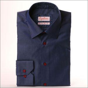 Chemise bleue couleur jean à col et poignets à fleurs