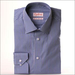 Chemise à carreaux bleus foncés