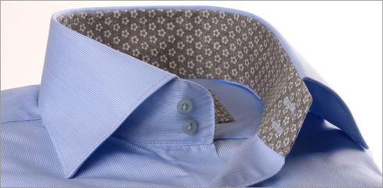 Chemise bleu à col et poignets fleuris gris