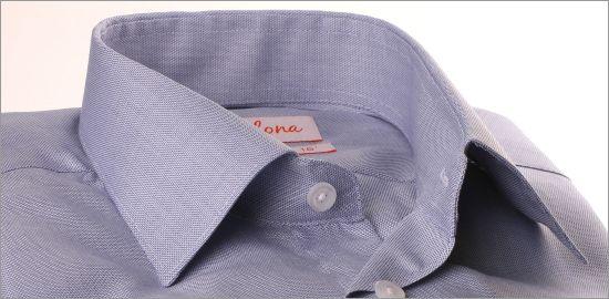 Chemise blanche à micro motifs bleus