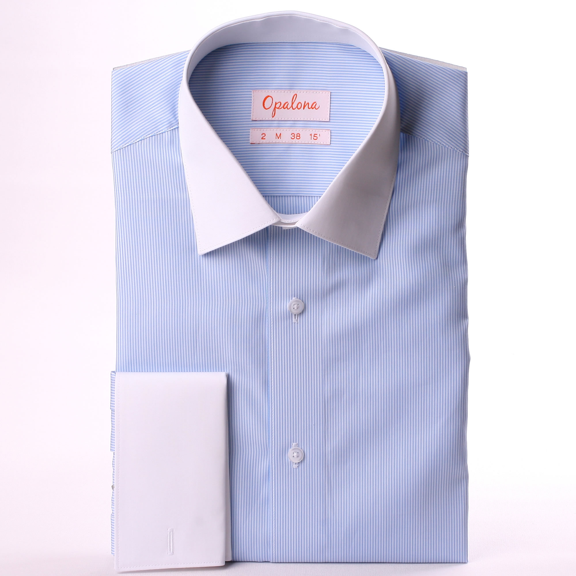 wei und blau gestreiftes hemd mit wei em kragen und manschetten. Black Bedroom Furniture Sets. Home Design Ideas